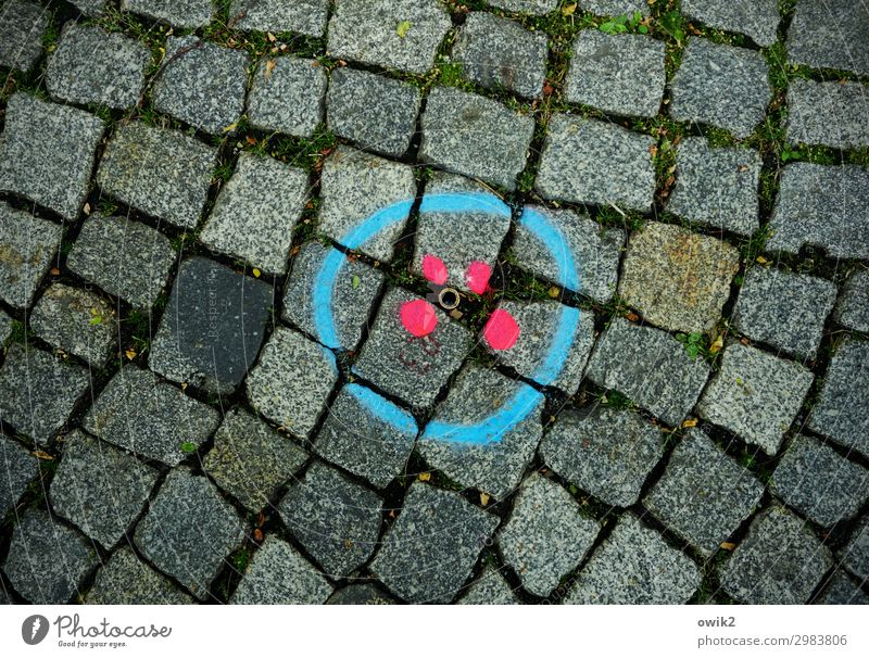 between us Transport Street Cobblestones Sign Graffiti Dark Simple Round Under Blue Red Arrangement Planning Precision Dye Bright Colours Circle Point