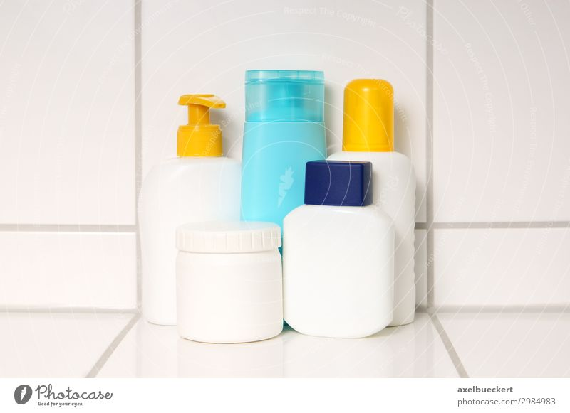 Bathroom care products Beautiful Personal hygiene Cream Spray Aftershave Shampoo Soap Body care tools Tile liquid soap Containers and vessels Shower gel