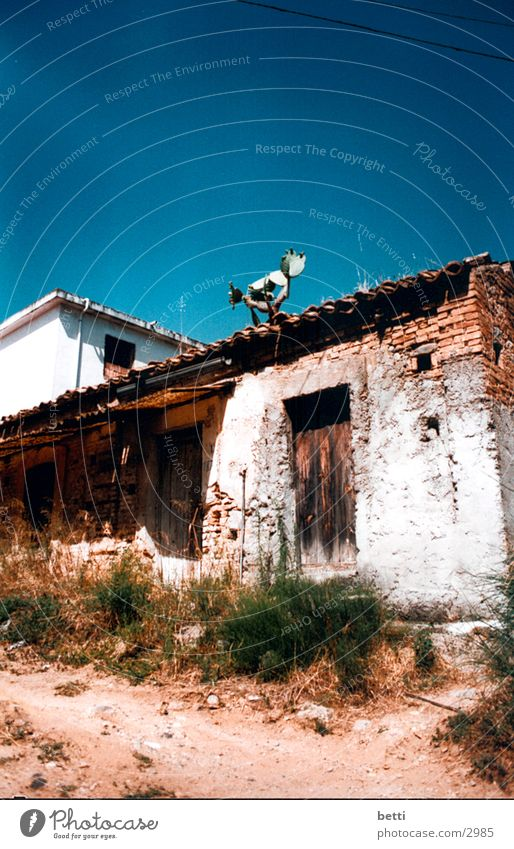 pure living House (Residential Structure) Decline France Europe Old