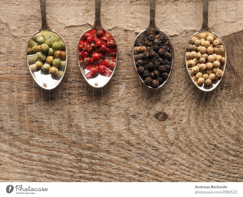 Coloured peppercorns Food Herbs and spices Organic produce Spoon Healthy Eating Table Wood Delicious Pepper Peppercorn Teaspoon Bird's-eye view Wooden table