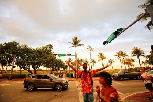 Sun Beach Street USA Hip & trendy Palm tree Miami Miami Beach