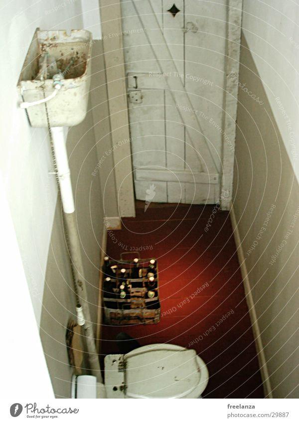 Replenishment auf´m Klo Beer Red Historic Toilet Door Water Floor covering