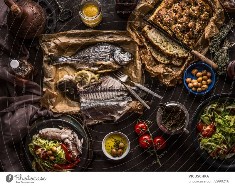Mediterranean Cuisine Gerischte Food Fish Vegetable Lettuce Salad Bread Nutrition Lunch Banquet Organic produce Diet Crockery Plate Bowl Cutlery Style Design