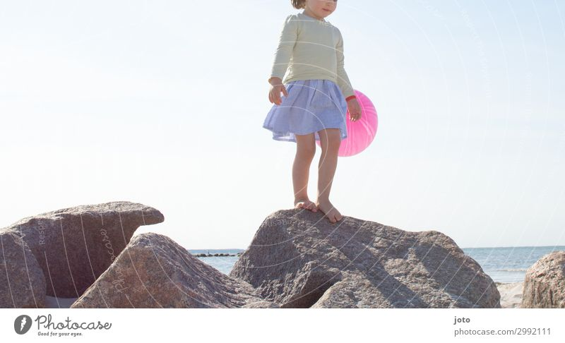 Child Vacation & Travel Summer Ocean Girl Far-off places Beach Playing Freedom Stone Trip Contentment Infancy Stand Adventure Joie de vivre (Vitality)