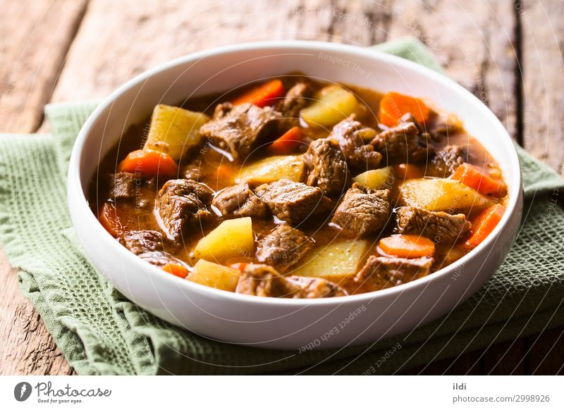 Beef Stew Meat Vegetable Soup Bowl Fresh food Carrot Potatoes Cooking Goulash Home-made Meal Dish paprika Hungarian gulyas gulyasleves diced served Horizontal