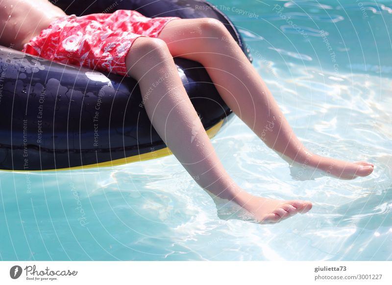 Child Human being Vacation & Travel Summer Water Sun Relaxation Legs Boy (child) Feet Leisure and hobbies Infancy Joie de vivre (Vitality) Beautiful weather
