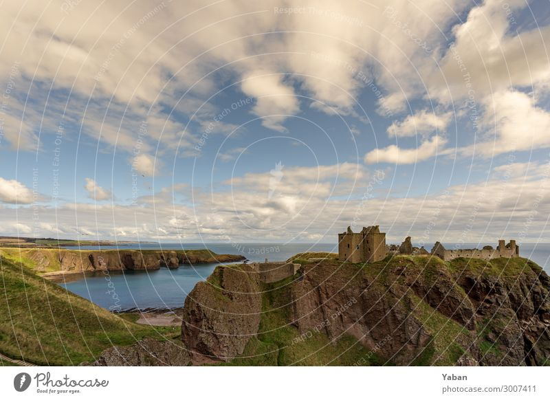 Dunnottar Castle and Bay Sky Hill Coast Beach North Sea Deserted Tourist Attraction Monument Nature Tourism Decline Past Transience Scotland Ruin Great Britain