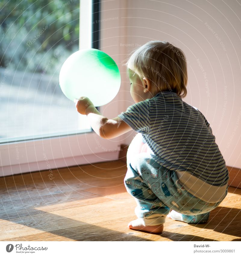 Child Human being Green Joy Lifestyle Feminine Small Art Playing Living or residing Flat (apartment) Masculine Blonde Infancy Cute