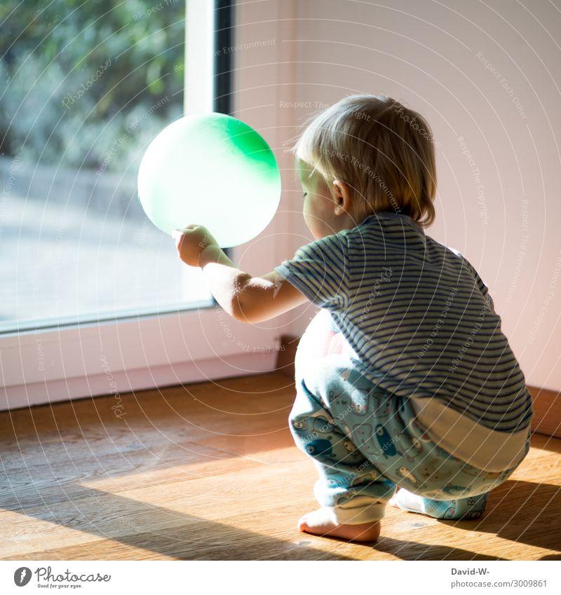 gambling Lifestyle Joy Playing Living or residing Flat (apartment) Child Human being Masculine Feminine Toddler Infancy 1 1 - 3 years Art Observe Balloon Green