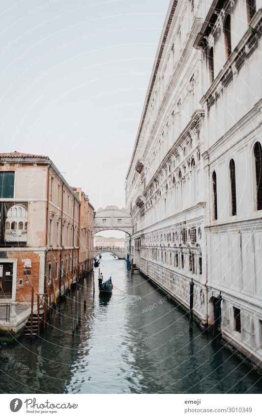 Venice River Town Outskirts House (Residential Structure) Facade Tourist Attraction Exceptional Tourism Colour photo Exterior shot Deserted Day