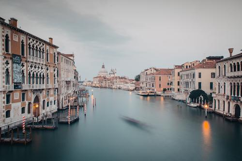Venice Canal Grande at dusk River bank Town Downtown House (Residential Structure) Tourist Attraction Exceptional Tourism Colour photo Exterior shot Deserted
