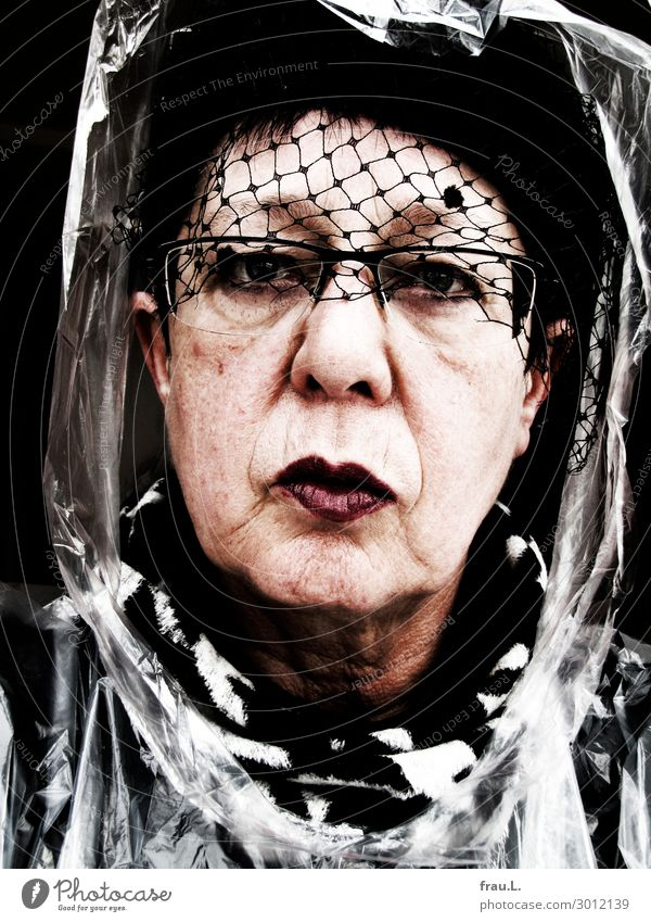 Blasted Human being Female senior Woman Head 1 60 years and older Senior citizen Eyeglasses Scarf Hat Black-haired Looking Old Exceptional Hideous Uniqueness