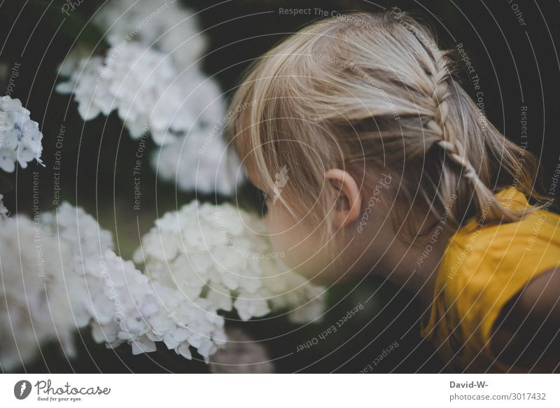 how it smells Human being Feminine Child Toddler Infancy Life Head Face Nose 1 1 - 3 years Environment Nature Summer Climate Climate change Beautiful weather