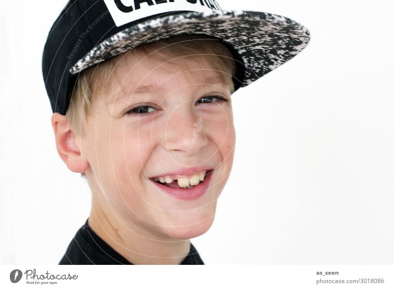 smile Parenting Education Kindergarten School Study Schoolchild Student Boy (child) Infancy Youth (Young adults) 1 Human being 8 - 13 years Child Baseball cap