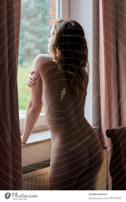 naked woman looks out the window Lifestyle Living or residing Flat (apartment) Bedroom Human being Feminine Young woman Youth (Young adults) Woman Adults 1