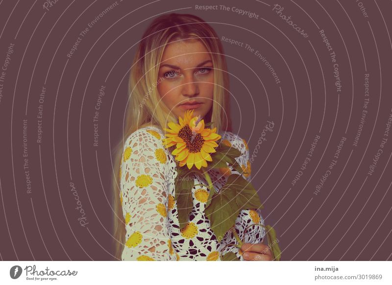 _ Human being Nature Summer Fashion Summery Sunflower Colour photo Subdued colour Multicoloured Interior shot Copy Space left Copy Space right Copy Space top