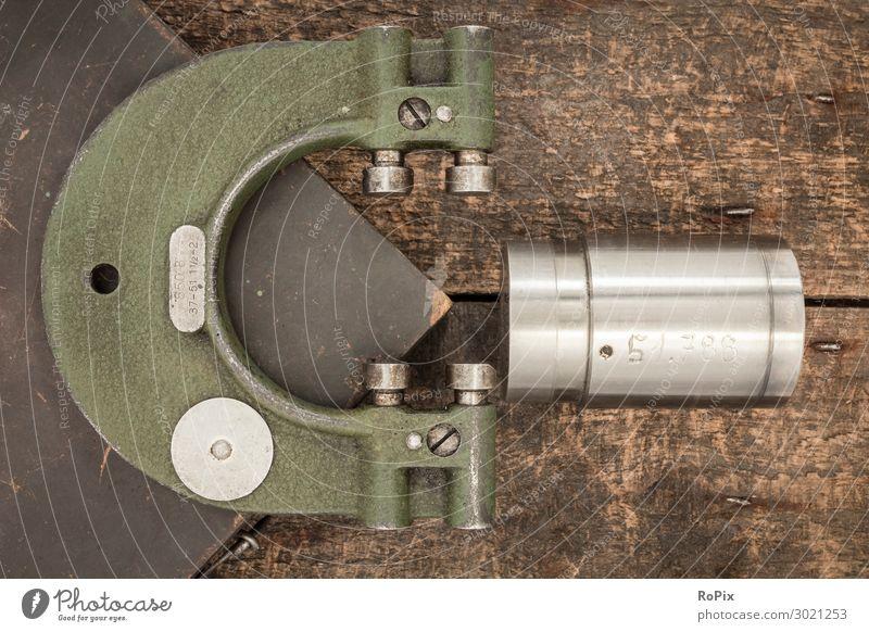 Old, adjustable limit caliper gauge...now somewhat superfluous. Throat Gauge Gauge inspection doctrine Limit gauge Quality Testing & Control Quality control