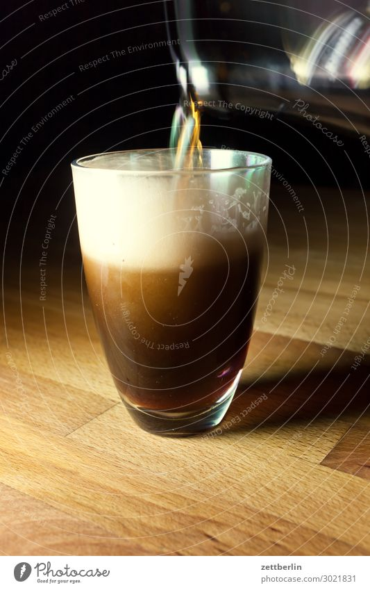 pour in beer Evening Night Dark Party Glass Bottle Beverage Drinking Fill Pour Alcohol-fueled Full Half full Beer Foam Black Motion blur Blur Copy Space Fluid