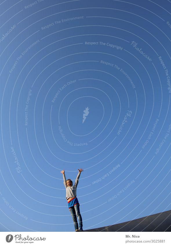 Airy. Air to the top. Feminine Girl 1 Human being Stand Blue Emotions Joie de vivre (Vitality) Cool (slang) Optimism Power Sky Sky blue Hands up! Joy Elation