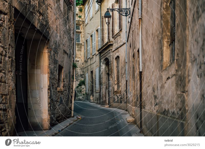 Street exodus in the old town Village Old town House (Residential Structure) Wall (barrier) Wall (building) Door Tourist Attraction Traffic infrastructure Idyll
