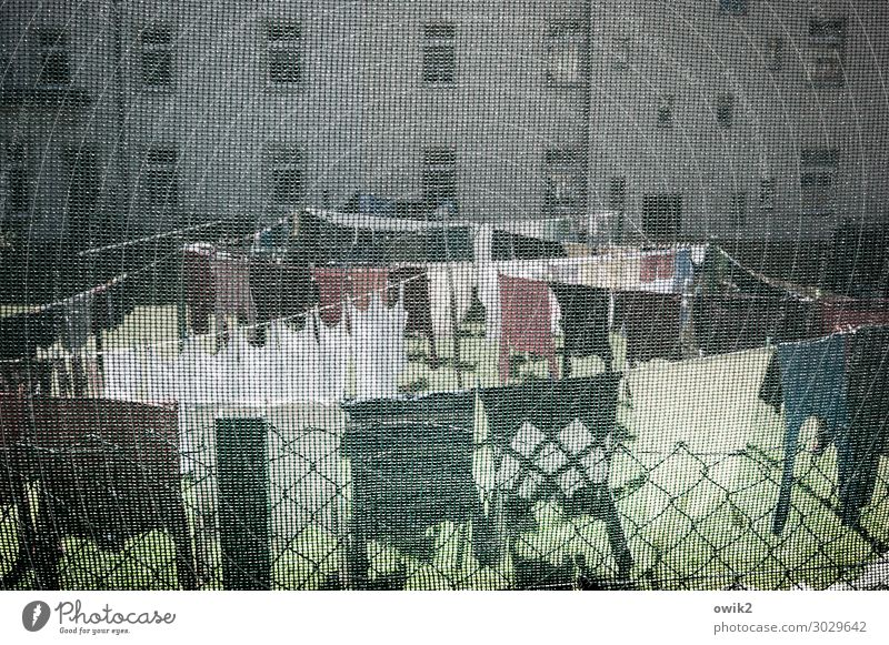 washed Meadow Small Town House (Residential Structure) Wall (barrier) Wall (building) Facade Window Covers (Construction) Wire netting fence Laundry Clothesline