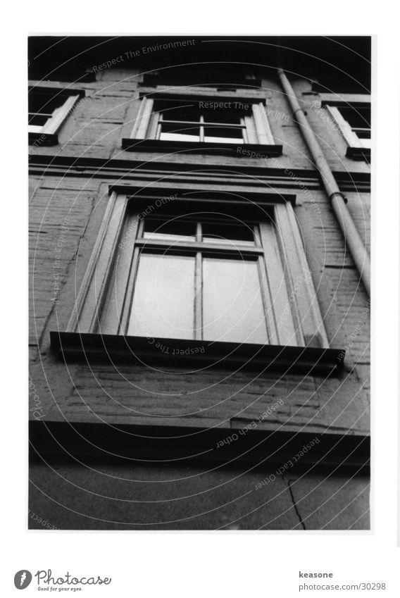 windows Window Moody Architecture Black & white photo Perspective Contrast Graffiti Lens http://www.keasone.de