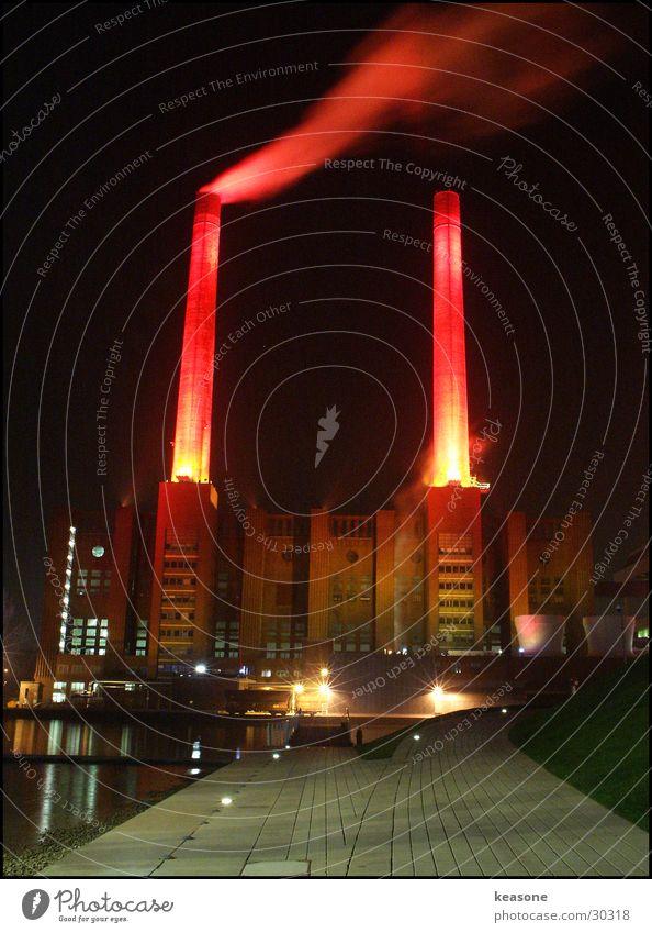 the work Wolfsburg Factory Light Lamp Red Long exposure Work of art Company Smoke Water www.keasone.de