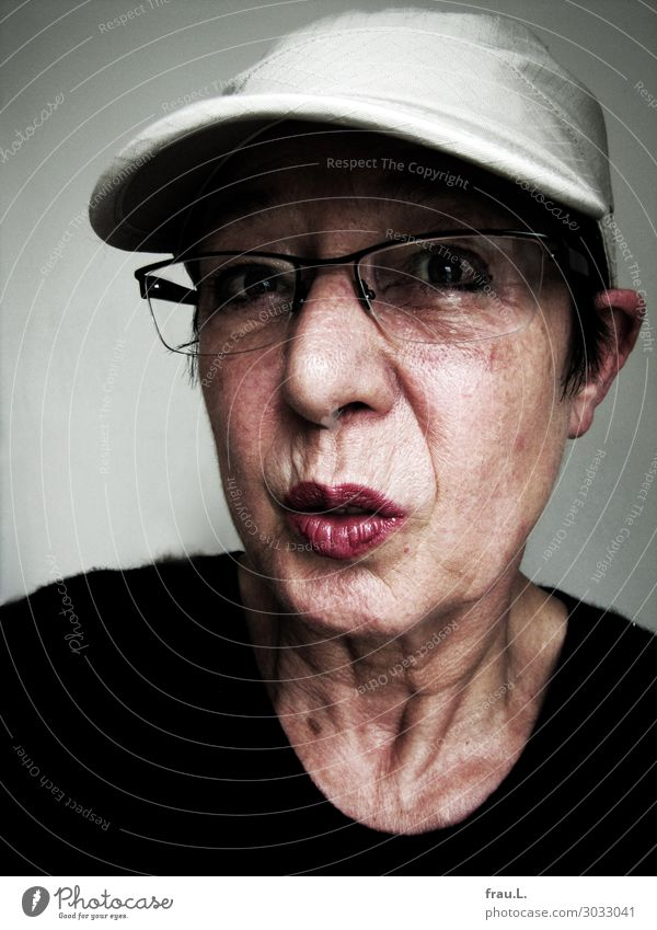 baseball cap Human being Woman Adults Female senior Face 1 60 years and older Senior citizen Sweater Eyeglasses Cap Black-haired Old Looking Aggression Hideous