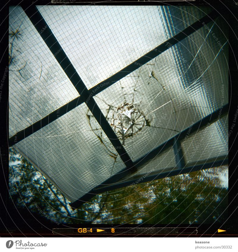 Window Glass Large Roof Broken Broken Wire Photographic technology