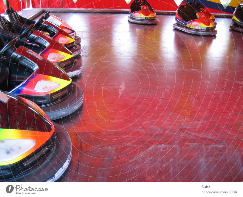 Colour Leisure and hobbies Fairs & Carnivals Bumper car Shooting match