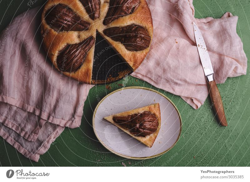 Sliced pear cake on a kitchen towel above view Food Dough Baked goods Dessert Candy Breakfast Lunch Plate Feasts & Celebrations Thanksgiving Christmas & Advent