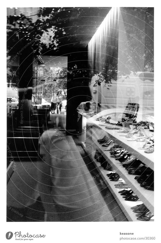 prague Prague Footwear Shoe shop Store premises Reflection Friendship Boutique Photographic technology Shadow www.keasone.de