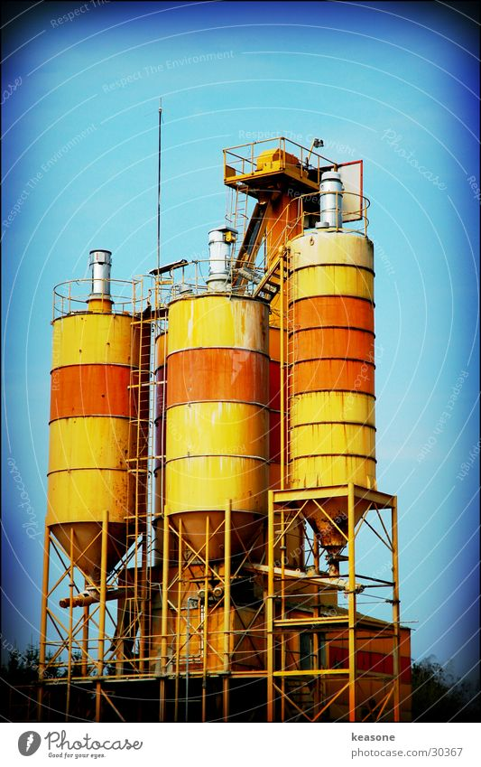 triple tower Industrial zone Silo Holga Electrical equipment Technology Industrial Photography Orange Tank oil Grain Lens ebv www.keasone.de
