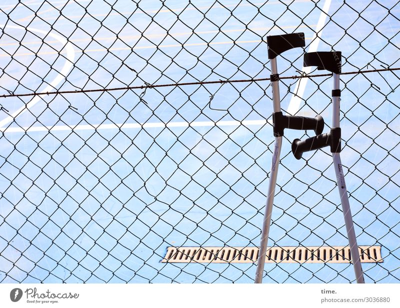 onlookers Fitness Sports Training Ball sports Sporting Complex Places Gutter Gully Fence Wire netting fence Walking aid Acceptance Safety Help Self Control
