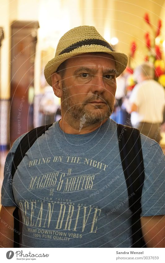 Tourist in Havana Masculine Man Adults Father 1 Human being 45 - 60 years Fashion T-shirt Hat Facial hair Designer stubble Beard Observe Going Stand Athletic