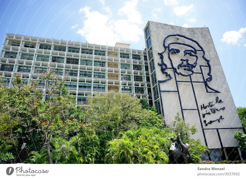 Che Havana Cuba Cuban Caribbean Town Capital city House (Residential Structure) Building Tourist Attraction Landmark Monument Graffiti Stagnating Moody Pride