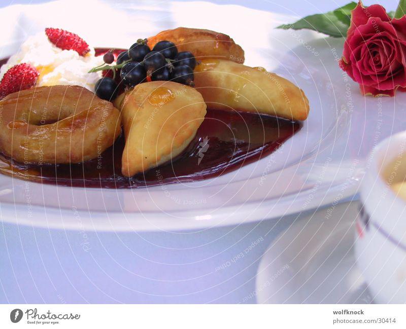 dessert Dessert Sweet Dough Sauce Nutrition Berries above