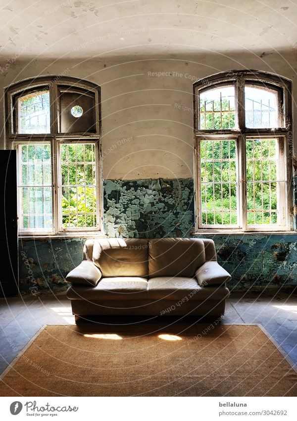 Old Green House (Residential Structure) Window Architecture Wall (building) Building Wall (barrier) Brown Dirty Glass Sit Culture Tourist Attraction