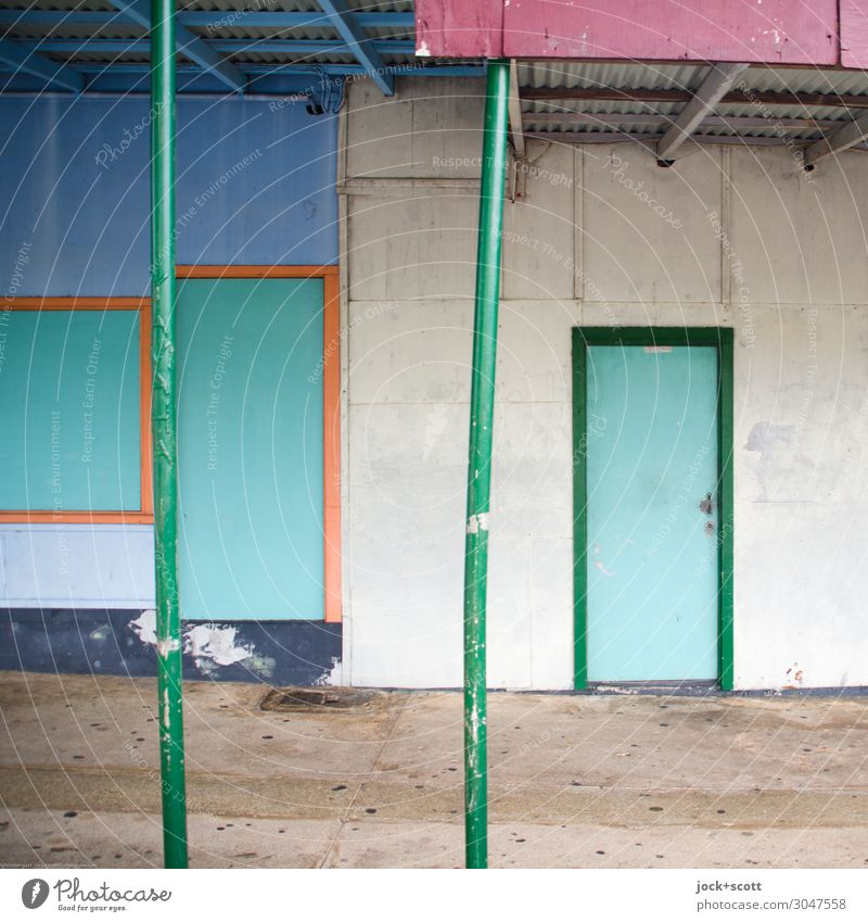 closed at present Town Colour Calm Far-off places Wall (building) Lanes & trails Style Wall (barrier) Facade Moody Line Retro Door Arrangement Authentic