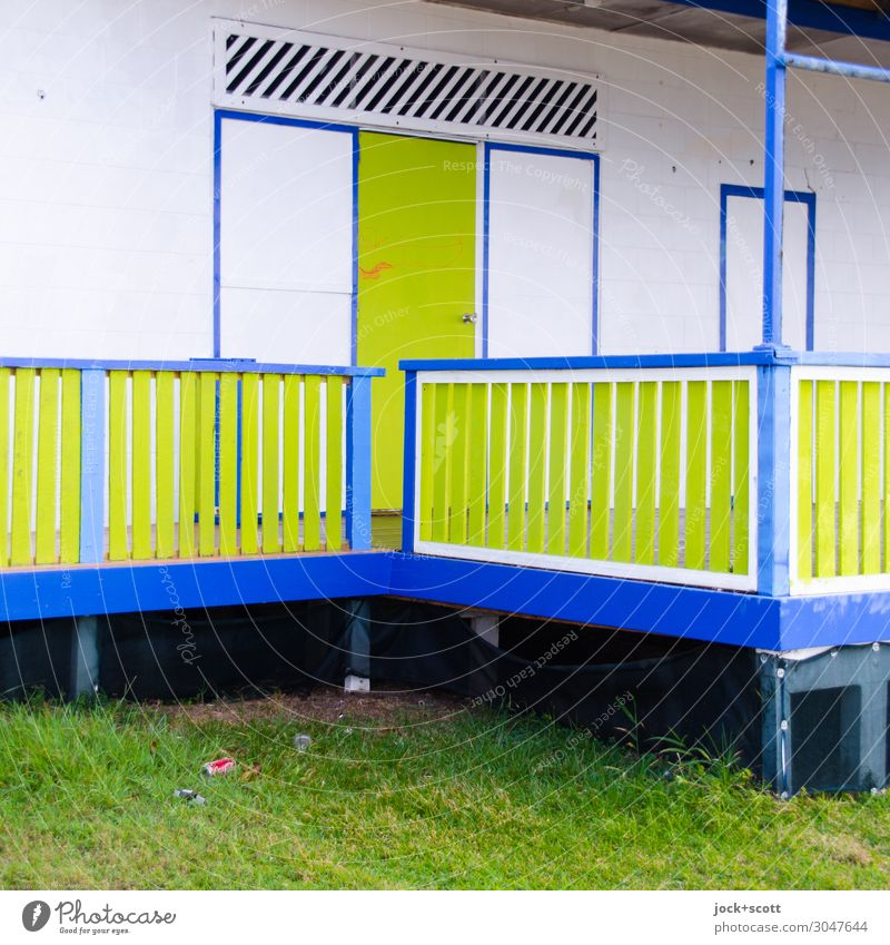 veranda Far-off places Meadow Queensland Wooden house Wall (barrier) Wall (building) Door Veranda Handrail Corner Authentic Sharp-edged Uniqueness Blue Green