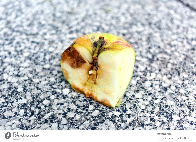 Cubist apple Apple Fruit Harvest Windfall Part Cut Putrefy started rotting Healthy Eating Dish Food photograph Nutrition Vitamin Garden Fruit garden Apple stalk