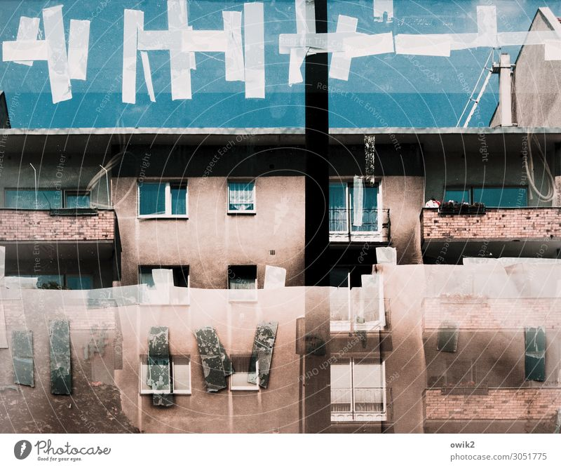 picture puzzles Cloudless sky Berlin Capital city Downtown House (Residential Structure) Wall (barrier) Wall (building) Facade Balcony Window Roof Curtain