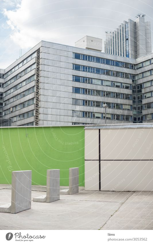 Chemnitz l AST10 Town Downtown House (Residential Structure) High-rise Wall (barrier) Wall (building) Facade Modern Barrier Colour photo Exterior shot Deserted