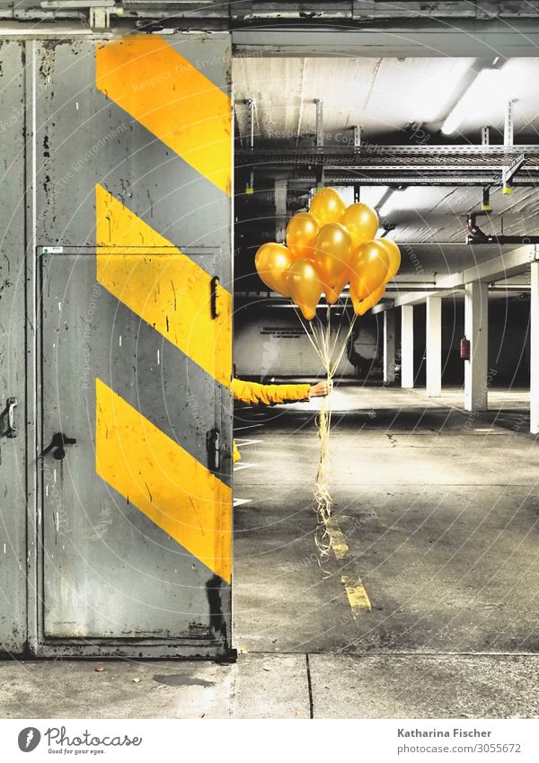 White Black Graffiti Yellow Wall (building) Art Wall (barrier) Stone Orange Gray Decoration Line Illuminate Door Signs and labeling Concrete
