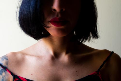 Girl with short hair Human being Feminine Young woman Youth (Young adults) Woman Adults Skin Face 1 18 - 30 years Hair and hairstyles Black-haired Brunette