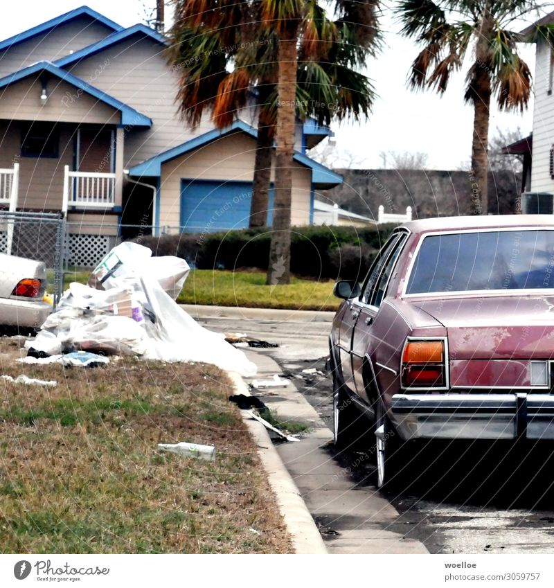 After the storm Galveston USA Texas Americas Detached house Street Car Vintage car Limousine Trash Bulk rubbish Dirty Broken Decline Transience Devastated Gale