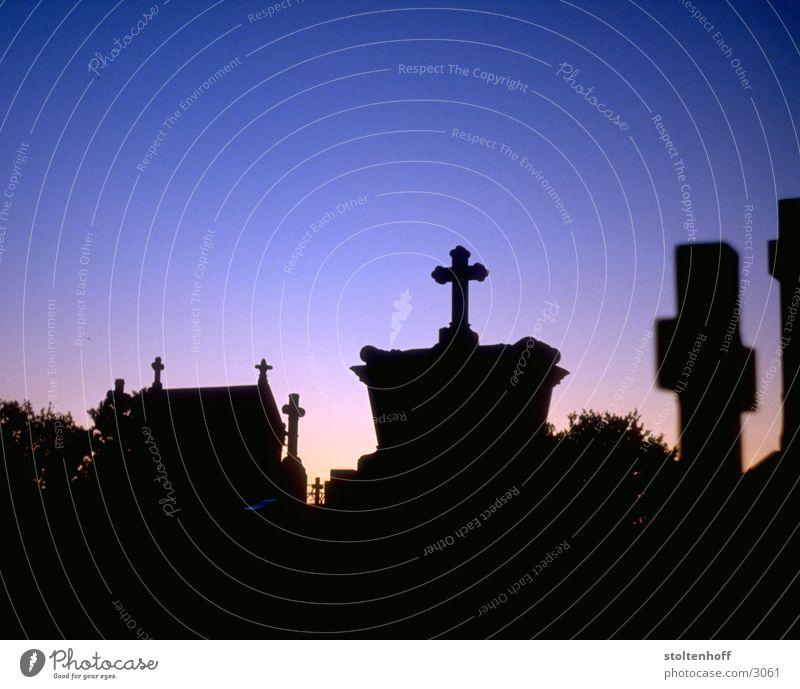 Dark Death Back Club France Cemetery Grave