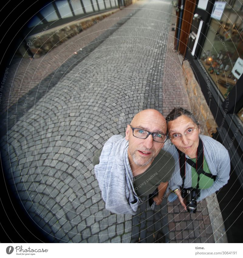 Woman Human being Man Town Street Adults Life Feminine Tourism Friendship Masculine Perspective Observe Eyeglasses Curiosity Discover