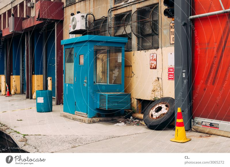 Old Town Dirty Authentic USA Industry Decline Economy Tire Stagnating Industrial SME Factory hall Keg Traffic cone Industrial site