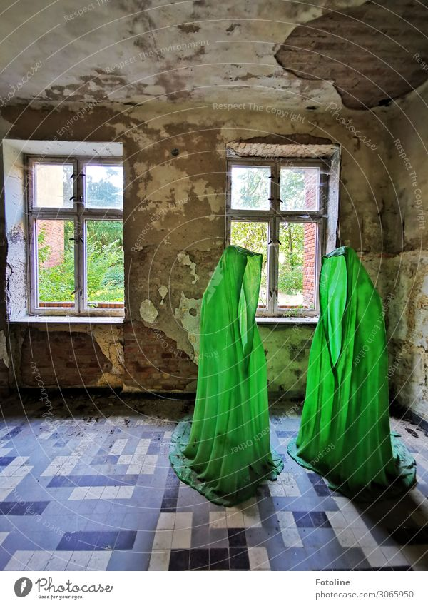 Strange figures Deserted House (Residential Structure) Manmade structures Building Architecture Wall (barrier) Wall (building) Window Old Bright Green